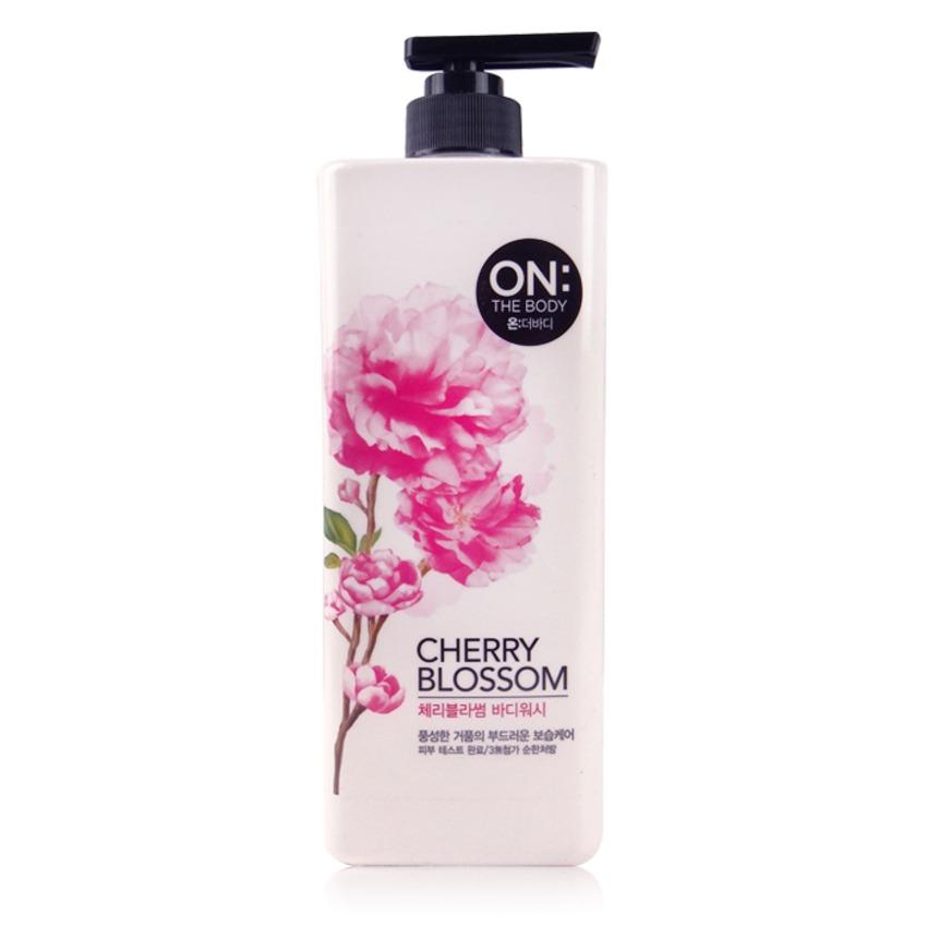 Sữa tắm hương cherry On The body Cherry Blossom 900g